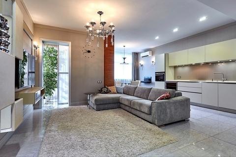 2 квартира в ЖК Ливанский дом с дизайнерским ремонтом и мебелью - Фото 1