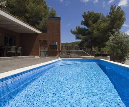 Дом в аренду на лето в Испаниии: солнце, горы и бассейн - Фото 1