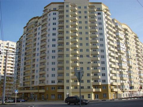 Купить квартиру в Новороссийске, монолитный дом, Южный район. - Фото 1