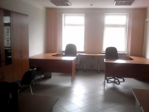 Помещение на первом этаже офисного здания, 450р/кв.м. Район Малыша - Фото 2
