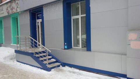 Сдам в аренду торговое помещение с отдельным входом, площадью 51 кв - Фото 1