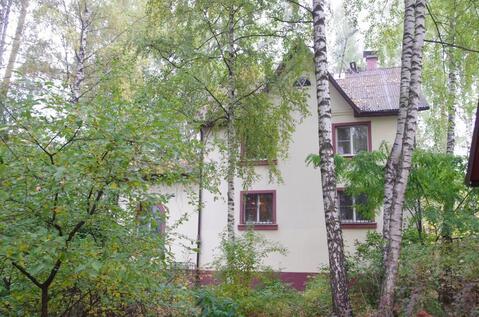 Продается дом 327 метров на участке 18 соток в черте города Королев - Фото 1