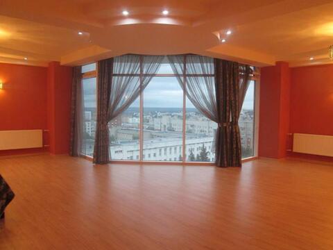 Владимир, Октябрьский пр-т, д.25, 5-комнатная квартира на продажу - Фото 1