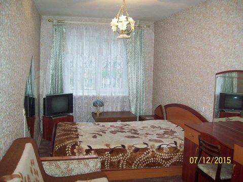 Сдается трехкомнатная квартира (студия) ул Лакина дом 143, - Фото 1
