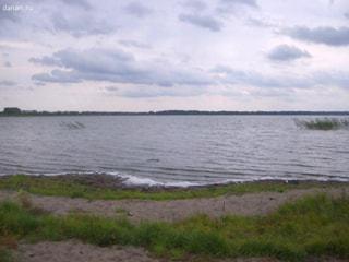 Участок в деревне, на берегу озера - Фото 1