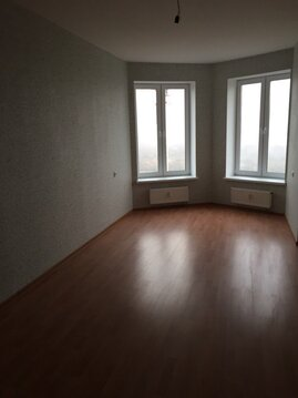 Продается 1 ккв 45м с эркером и балконом! м.Девяткино. - Фото 1