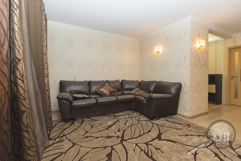 Продается 3-комнатная квартира, пр-т Строителей - Фото 3