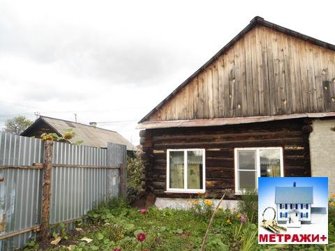 Часть дома в Камышлове, ул. Павлика Морозова, 22 - Фото 1