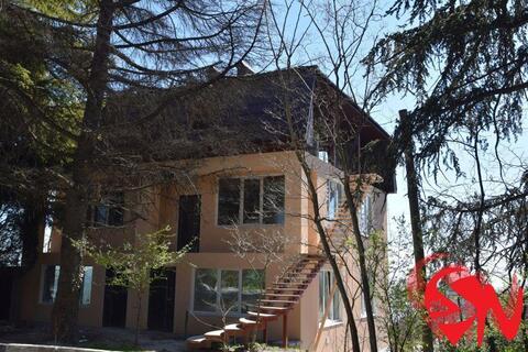 3-этажный дом площадью 280 кв.м. Планировка: цоколь, два жилых эта - Фото 2