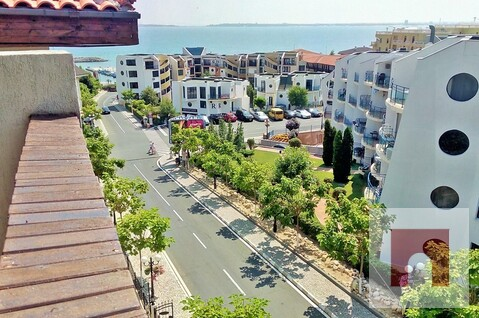 Апартамент с вид на море, в 50 м от Марина Диневи - Фото 1