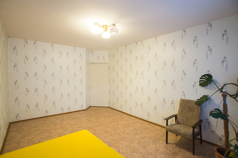 Продам 3-х комнатную квартиру на нижнем поселке бюджетной отделки. . - Фото 3
