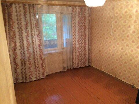 Продам комнату в трёхкомнатной квартире - Фото 1