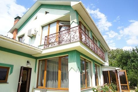 Продам два отдельно стоящих дома (182м2 и 52м2) на участке 8сот. - Фото 1