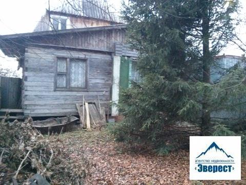 Продается земельный участок 8 соток ИЖС с деревянным домом Московская область Пушкинский район с. Талицы д.36. Участок в собственности более 3 лет, один взрослый собственник, свободная продажа.Участок ровный , с краю небольшой склон, правильной формы, огорожен.На участке деревянный дом из двух комнат, есть электричество, газ и вода по границе.Удобный подъезд к участку- асфальт.Ближайшая ж/д станция Софрино, на машине 10 минут, пешком 45 минут.Недалеко открыли Глобус, Леруа мерлен. Для потенциального клиента возможен торг.
