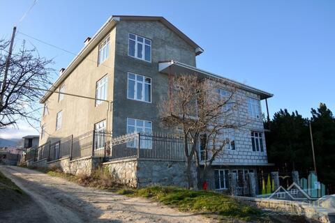 Продам дом-гостиницу, 4 этажа в Алуште, улица Сергеева-Ценского. - Фото 1