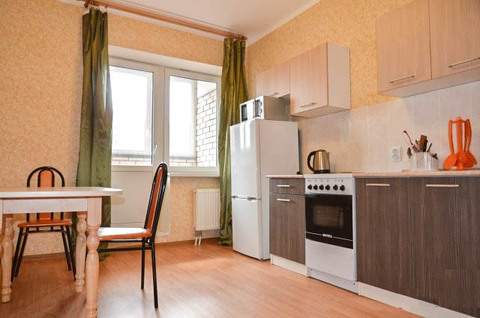 Сдается 1-комнатная квартира (48 кв.м.) в новом доме ул. Маркса 81 - Фото 1