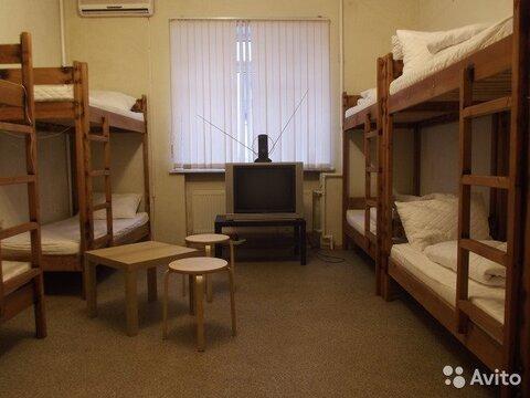 Комната 23 м в > 9-к, 1/3 эт. - Фото 1