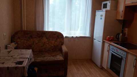 Сдам комнату в двухкомнатной квартире. - Фото 1