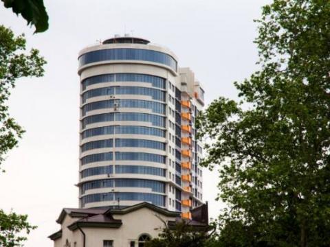 Элитная просторная 2-комн. квартира в центре Сочи с частичным ремонтом - Фото 1