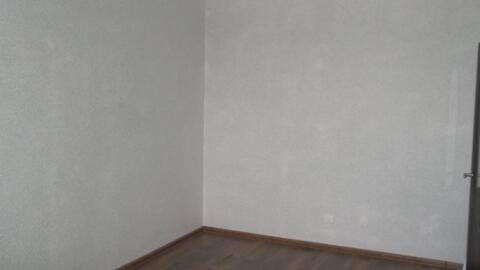 Продаётся новая однокомнатная квартира Город Щёлково, ЖК богородский, дом 19. Квартира с новым, качественным ремонтом, никто не проживал, прекрасный вид из окна на частный сектор и школу олимпийского резерва, расположена на 10-ом этаже 14-ти этажного монолитно-кирпичного дома, есть лоджия. Общая площадь 36кв. м комната 18. 2кв. м кухня 10 кв. м. 1 взрослый собственник, менее 3-х лет, основание дду. Свободная продажа.
