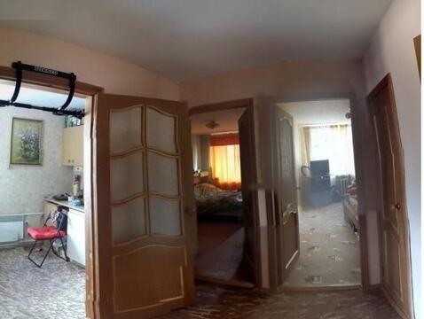 Продается двухкомнатная квартира Московская область Пушкинский район п. Коптелино. Квартира в собственности более 3 лет, приватизация, свободная продажа. 54/18/12/кухня 14, лоджия, 3 этаж, комнаты раздельные, дом кирпичный. Квартира в хорошем состоянии, остается мебель и техника. Дом находится в живописном уединенном месте, рядом лес, река. Для потенциального клиента возможен торг.