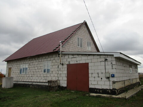 Дом 180 кв.м. + гараж в тихом месте г. Грязи - Фото 1
