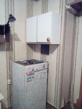 Аренда комн 19кв.м. с мебель и холодильником - Фото 2