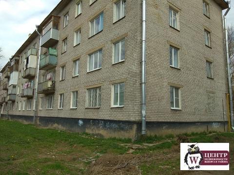 2-комн. кв. 42.5 кв. м. г. Волхов, 1/4 эт. - Фото 1