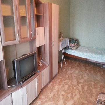 Сдам 1-но комн. ул. Фирсова, дом 16 (Центр города) - Фото 1