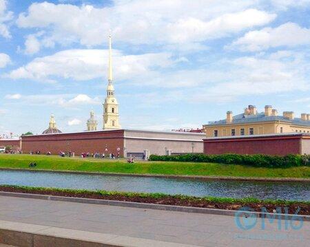 Отличное предложение: 3-комнатная квартира в самом сердце Петербурга! - Фото 4