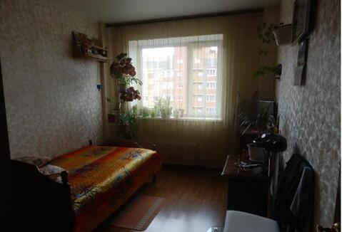 Продается трехкомнатная квартира Московская область п. Свердловский ул. М. Марченко д. 14. Квартира в собственности более 3 лет, один собственник, свободная продажа. В квартире сделан качественный ремонт, остается встроенная кухонная мебель. 85/17/15/12/кухня 13, застекленная и утепленная лоджия, 2 санузла, 9 этаж, дом монолит кирпич. Дом находится в современном благоустроенном микрорайоне, есть школа, детсад, поликлиника, сбербанк, сетевые продуктовые магазины. Ближайшая ж/д станция Чкаловская.