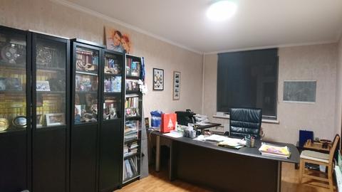Ново Светлая 20 отличная трехкомнатная квартира со своей парковкой - Фото 1