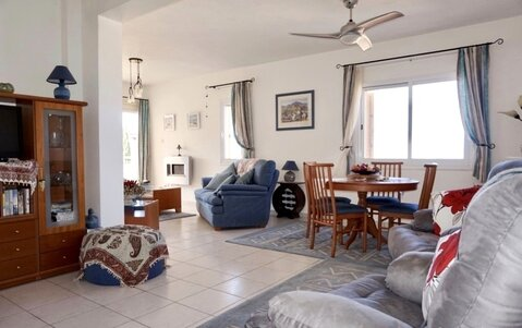 Уникальный просторный трехкомнатный Апартамент в 500м от моря в Пафосе - Фото 5