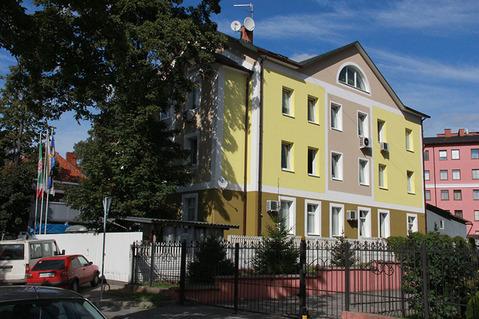 Здание на берегу Верхнего озера, ул.Верхнеозерная 3г, центр Калининград - Фото 1