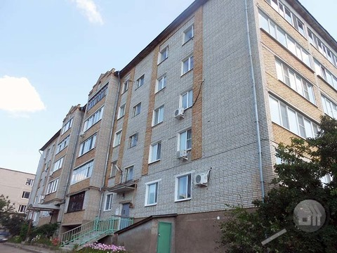 Продается 2-комнатная квартира, ул. Маршала Крылова - Фото 1