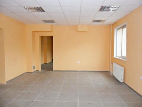 Торгово-офисное помещение с отдельным входом в г. Кемерово - Фото 1