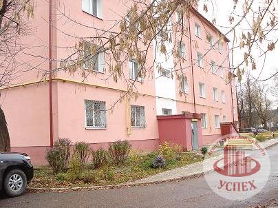 3 600 000 Руб., 1-комнатная квартира на улице Кожевенная, 12, Купить квартиру в Серпухове по недорогой цене, ID объекта - 318837905 - Фото 1