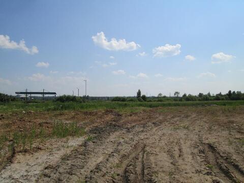 Участок на трассе М-8 с незавершенным техническим центром . - Фото 1