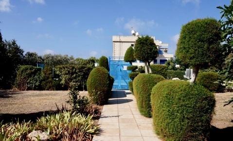 Трехкомнатный апартамент с большой террасой и рядом с морем в Пафосе - Фото 2