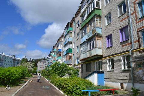 Продам 2-к квартиру (окна на разные стороны дома) - Фото 1