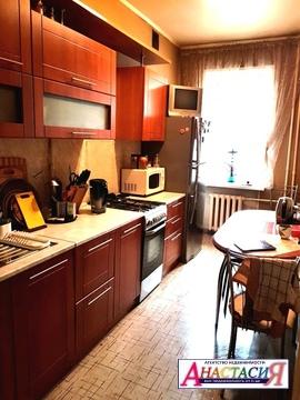 Хорошая двух комнатная квартира в Сталинке. - Фото 1