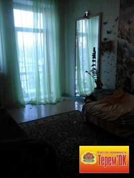 Трехкомнатная квартира в Летке, высокие потолки, просторные комнаты. - Фото 1