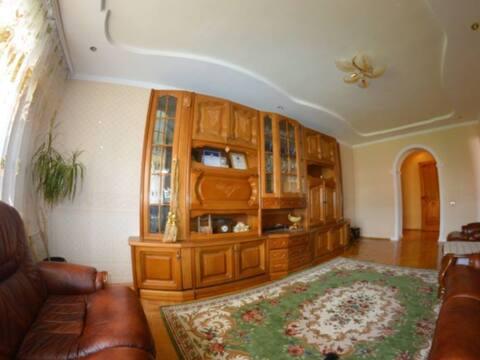 3 800 000 Руб., Продажа трехкомнатной квартиры на проспекте Ленина, 62 в Черкесске, Купить квартиру в Черкесске по недорогой цене, ID объекта - 320232668 - Фото 1