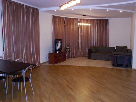 2-комнатная квартира посуточно - Фото 1