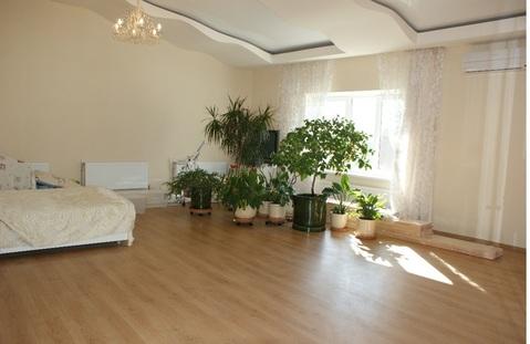 Продаю 4-х комнатную кв-ру с высокими (3 м) потолками в кирпичном доме - Фото 2