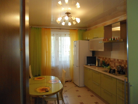Продам трехкомнатную квартиру улучшенной планировки в Промышленном рай - Фото 1