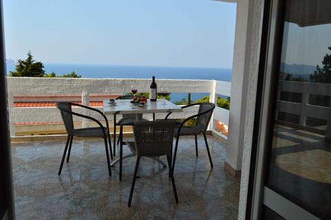 Продается 3-х этажный дом в зеленом пригороде г. Бар (Черногория) - Фото 3