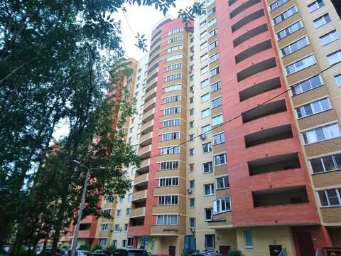 Продажа 2 комнатной квартиры на улице Октябрьский проспект 16а - Фото 1