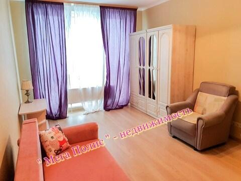 Сдается 1-комнатная квартира 50 кв.м. в новом доме ул. Долгининская 4 - Фото 1