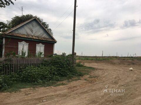 Дом в Астраханская область, Володарский район, Володарский пгт ул. . - Фото 1